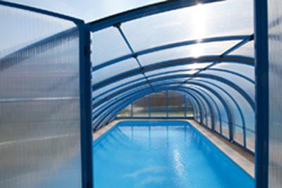 T-r-Vorne-Poolhalle